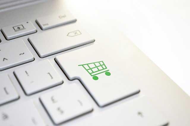 Eltérő tranzakciószám Analytics, WooCommerce és Shopify között